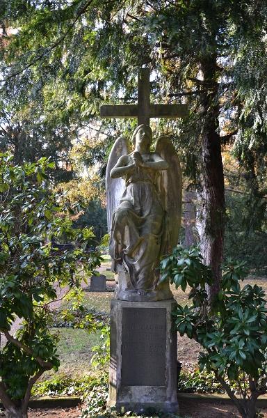 Fabian Fröhlich, Kassel, Hauptfriedhof, Engel