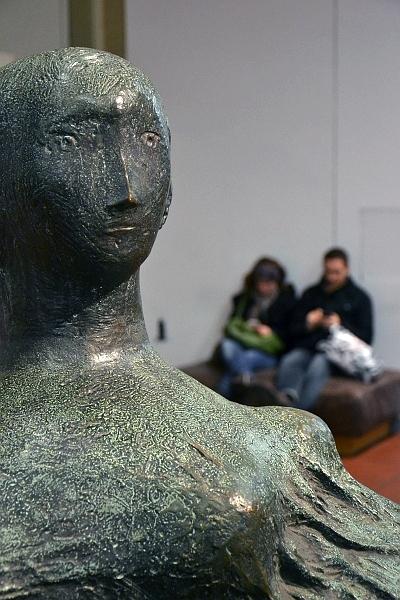 Fabian Fröhlich, Köln, Museum Ludwig, Henry Moore, Draped Reclining Figure
