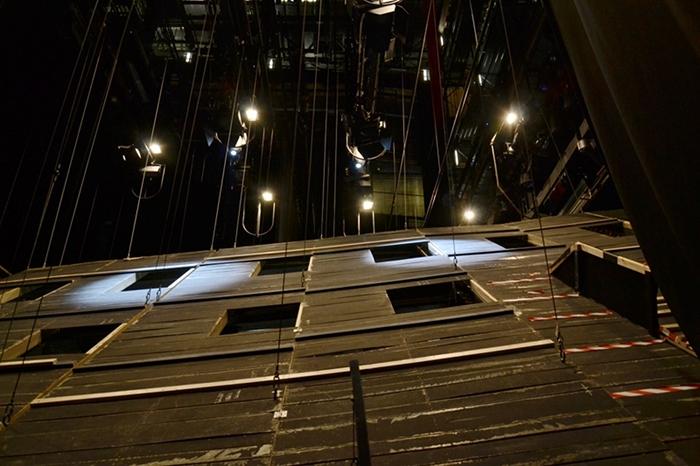 Fabian Fröhlich, Staatstheater Kassel, Opernhaus, Zauberflöte, Abhängung des Bühnenbildes und Schnürboden