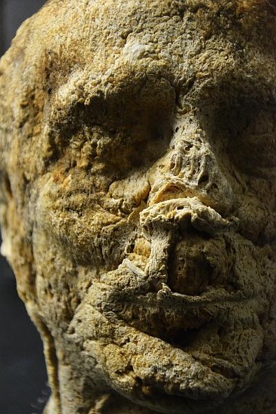 Fabian Fröhlich, Kassel, Museum für Sepulkralkultur, Harry Kramer, Brotkopf