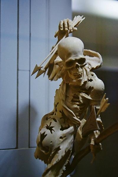 Fabian Fröhlich, Kassel, Museum für Sepulkralkultur,, Tödlein mit Pfeil und Bogen