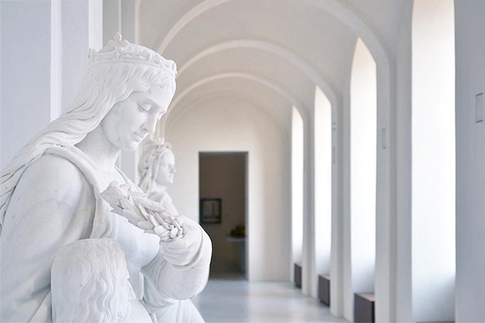 Fabian Fröhlich, Kassel, Neue Galerie, Wandelhalle mit Länderdarstellungen von Karl Echtermeier