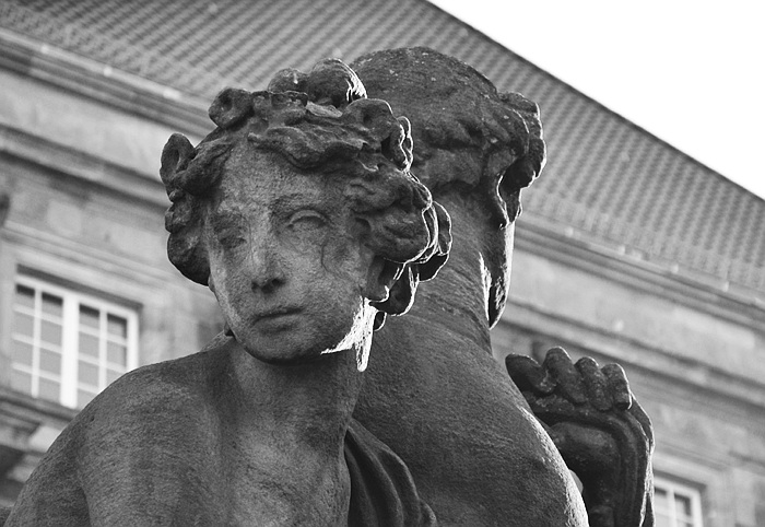 Fabian Fröhlich, Kassel, Skulpturengruppe vor dem Rathaus