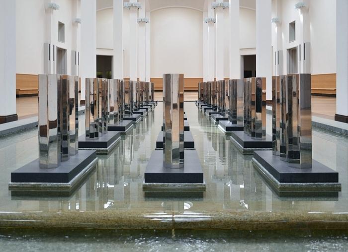 Fabian Fröhlich, Berlin, Gemäldegalerie, 5-7-9-Serie von Walter De Maria in der Wandelhalle