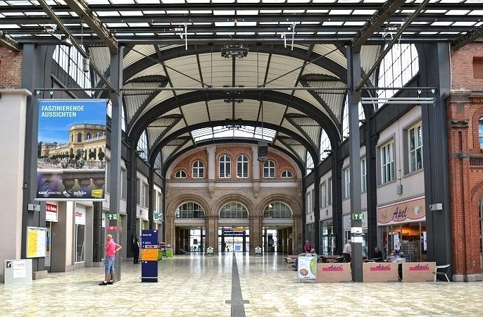 Fabian Fröhlich, Kassel, Kulturbahnhof, Eingangshalle