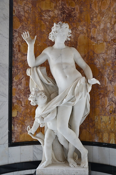 Fabian Fröhlich, Kassel, Marmorbad, Pierre Etienne Monnot, Cupido und Narcissus