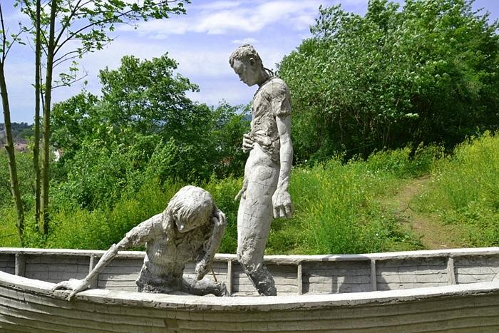 Fabian Fröhlich, Kassel, dOCUMENTA (13), Adriàn Villar Rojas, Return the World, The boat