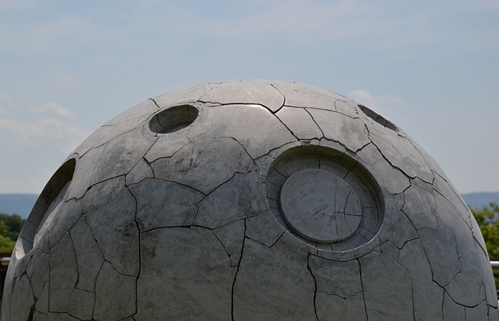 Fabian Fröhlich, Kassel, Weinberg, dOCUMENTA (13), Adriàn Villar Rojas, Return the World