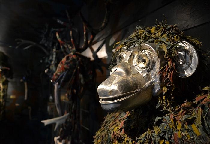 Fiona Hall, Fall Prey, Chimpanzee, documenta 13, Fabian Fröhlich, Kassel