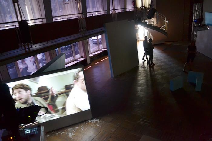 Gerard Byrne, documenta 13, Grand Hotel Hessenland, Großer Ballsaal, Fabian Fröhlich, Kassel