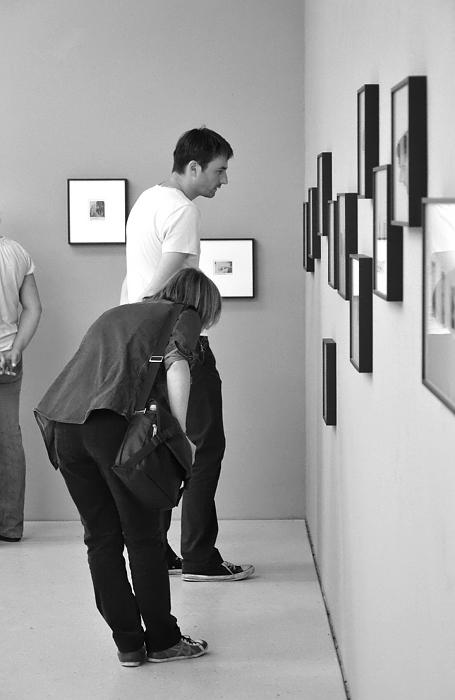 documenta 13, Roman Ondak, Observations, Kassel, Neue Galerie, Visitor
