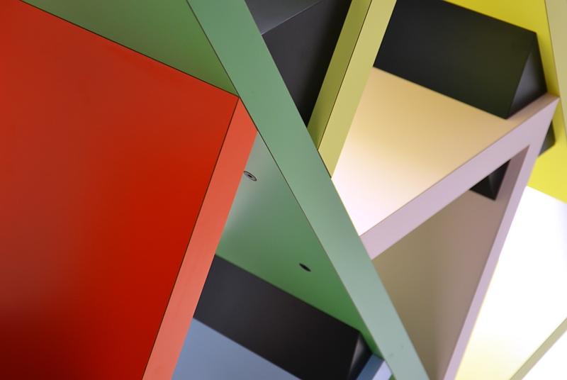 "München, Pinakothek der Moderne, Design, Ettore Sottsass, Raumteiler ""Carlton"", Fabian Fröhlich"