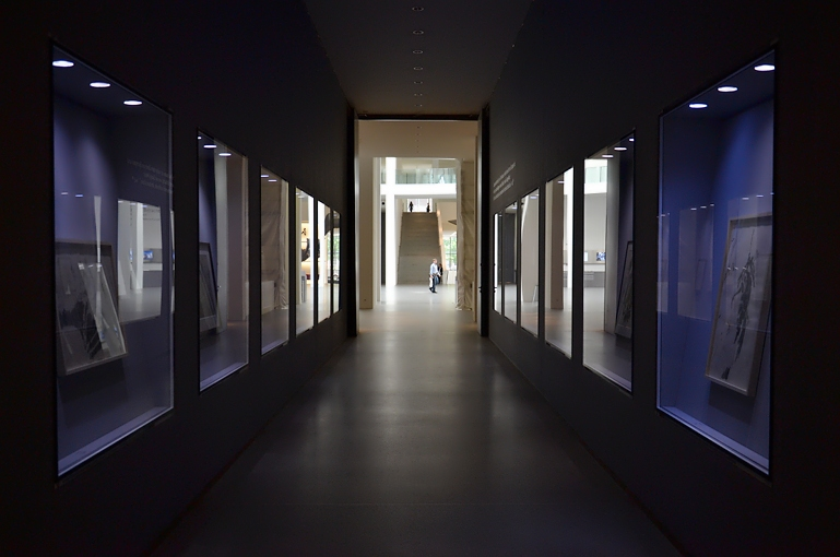 München, Pinakothek der Moderne, Gang, Fabian Fröhlich