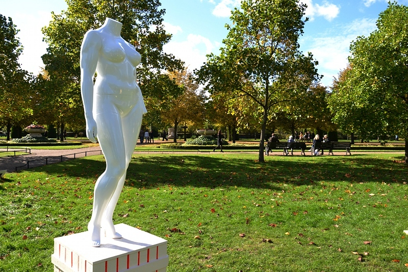 London, Frieze Art Fair, Sculpture Park, Regent's Park, Alan Kane & Simom Periton, eight sculptures
