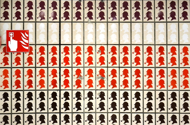 London, Sherlock Holmes Tiles, Baker Street Tube Station