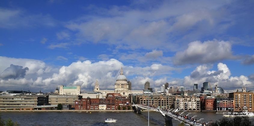 London, Thames, St Pauls Cathedral