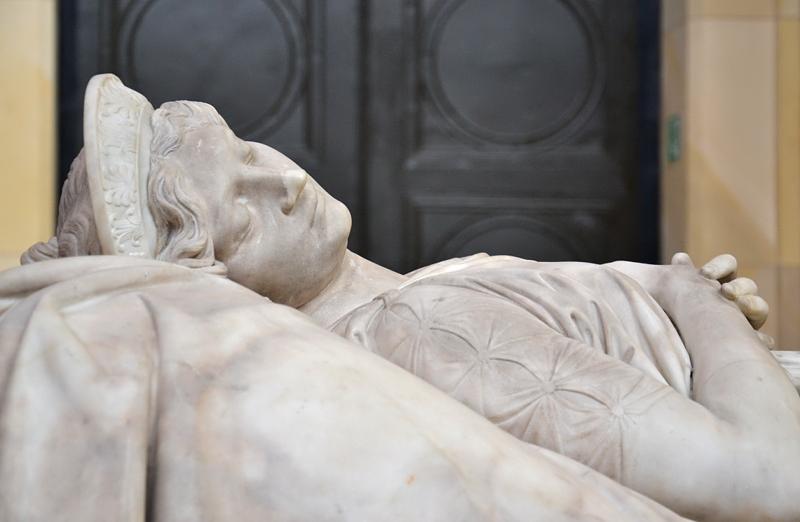 Christian Daniel Rauch, Zweite Fassung des Sarkophags für die Königin Luise von Preußen, Friedrichswerdersche Kirche, Berlin, Fabian Fröhlich