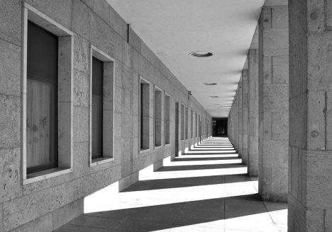 Flughafen Tempelhof, Seitenflügel