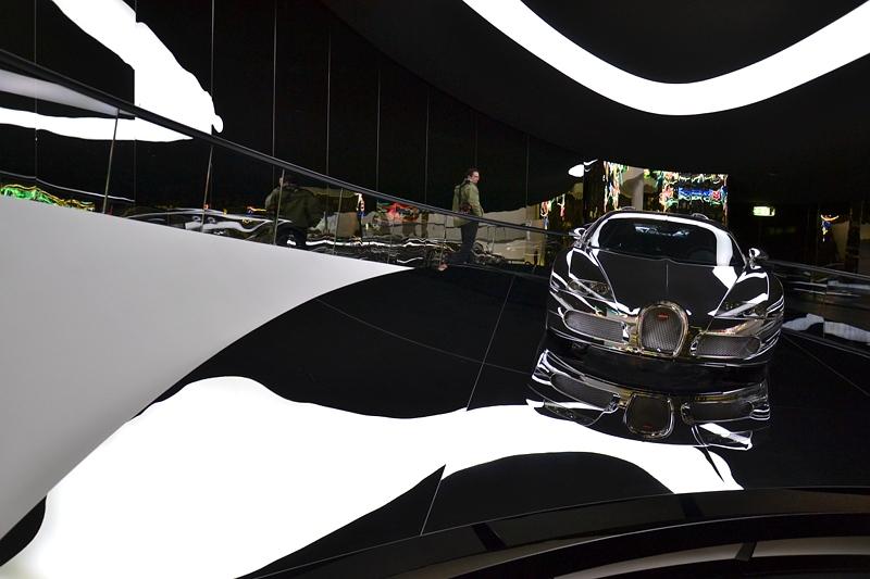 Olaf Nicolai, Après vous. Ein Arrangement, Bugatti Veyron 16.4, Autostadt Wolfsburg, Premium Clubhouse