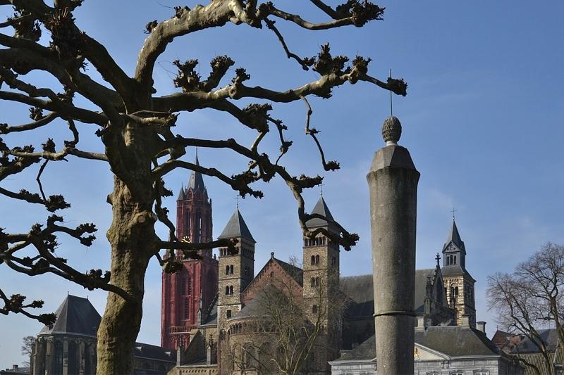 Maastricht, Vrijthof, St. Servaas Basiliek