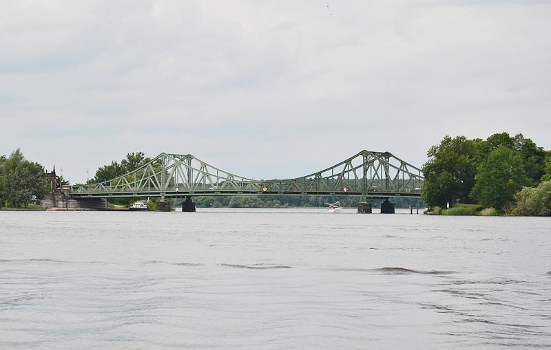 Park Babelsberg, Blick auf die Glienicker Brücke