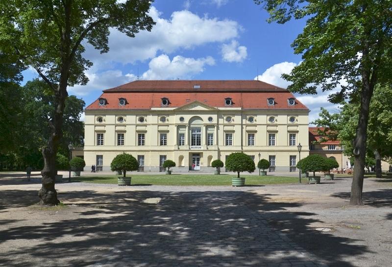 Schloss Charlottenburg, Theaterbau, Langhansbau, ehemaliges Museum für Vor- und Frühgeschichte
