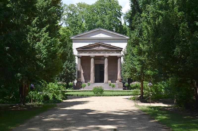 Schlosspark Charlottenburg, Mausoleum