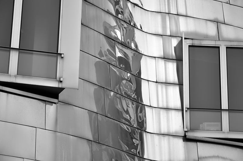 Düsseldorf, Medienhafen, Neuer Zollhof von Frank Gehry, Gebäude B
