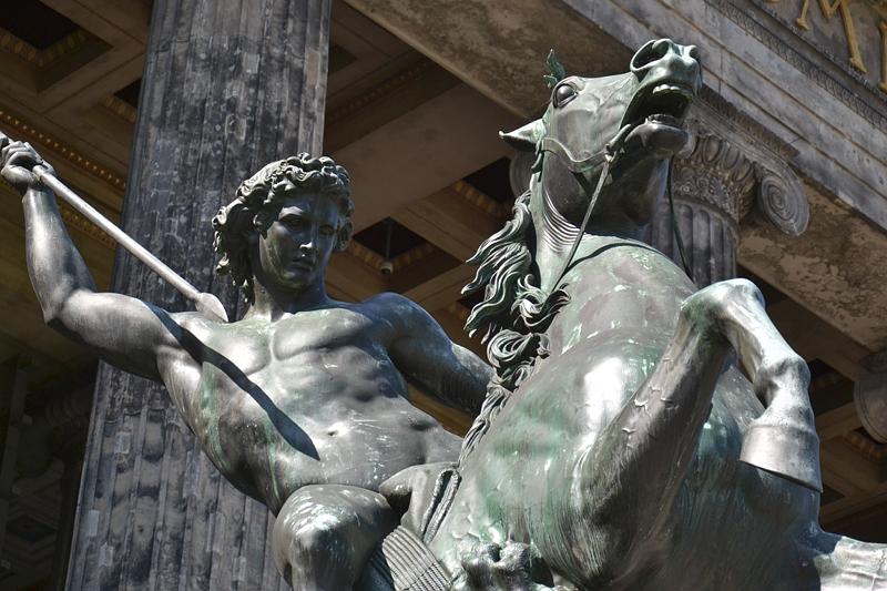 Löwenkämpfer von Albert Wolff und Christian Daniel Rauch am Alten Museum