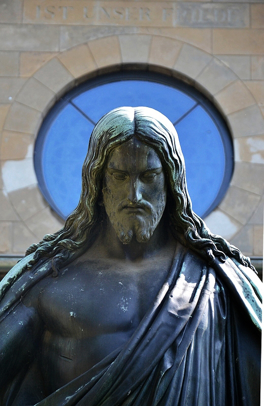 Potsdam, Christusstatue nach Bertel Thorvaldsen im Innenhof der Friedenskirche