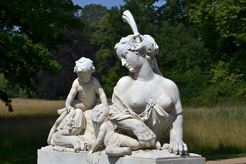 Park Sanssouci, Skulptur, Ostseitige Sphinx von Georg Friedrich Ebenhech