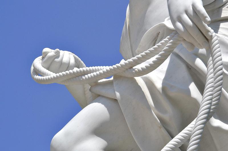 Sanssouci, Allegorie des Wassers von Lambert Sigisbert Adam (Kopie von Peter Flade) am Französischen Rondel