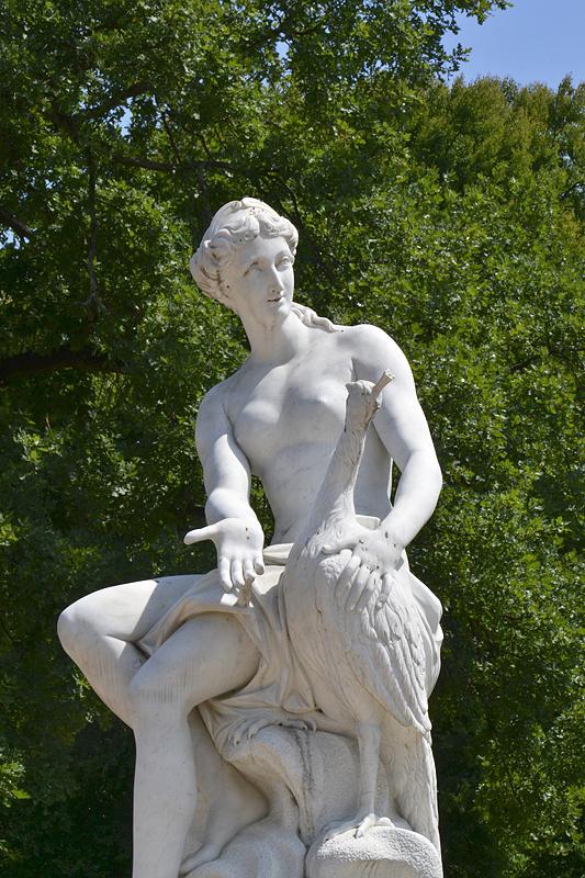Sanssouci, Juno von Francois Gaspard Adam (Kopie von Peter Flade) am Französischen Rondel