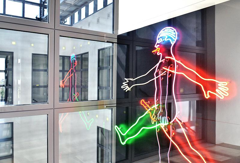 Hamburger Kunsthalle, Bruce Nauman, Marching Man, Lichthof