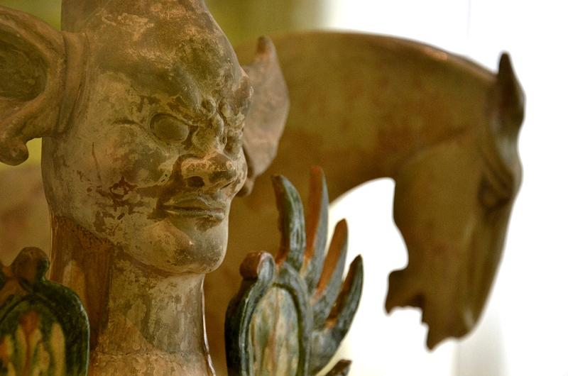 Museum für Kunst und Gewerbe, Grabwächter und Pferd der Tang-Dynastie