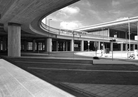 Auffahrt zum Terminal, Architektur, BER, Flughafen Berlin Brandenburg