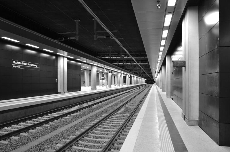 Bahnhof, Bahnsteig, Architektur, BER, Flughafen Berlin Brandenburg