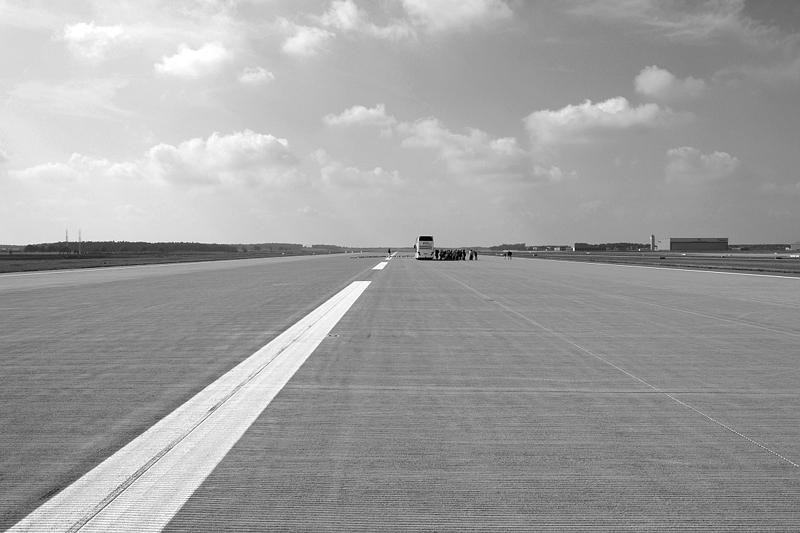 Südliche Start- und Landebahn, BER, Flughafen Berlin Brandenburg