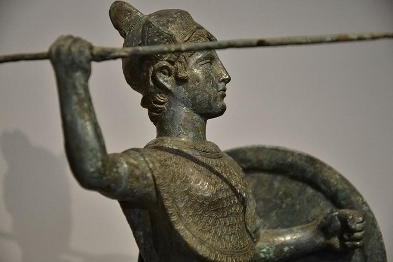 Berlin, Antikensammlung, Altes Museum, Etruskische Statuette der Menvra