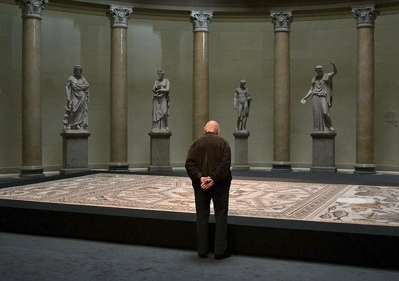 Berlin, Antikensammlung, Altes Museum, Rotunde (Ausstellung Jäger und Gejagte - Die exotische Tierwelt des römischen Mosaiks aus Lod / Israel)