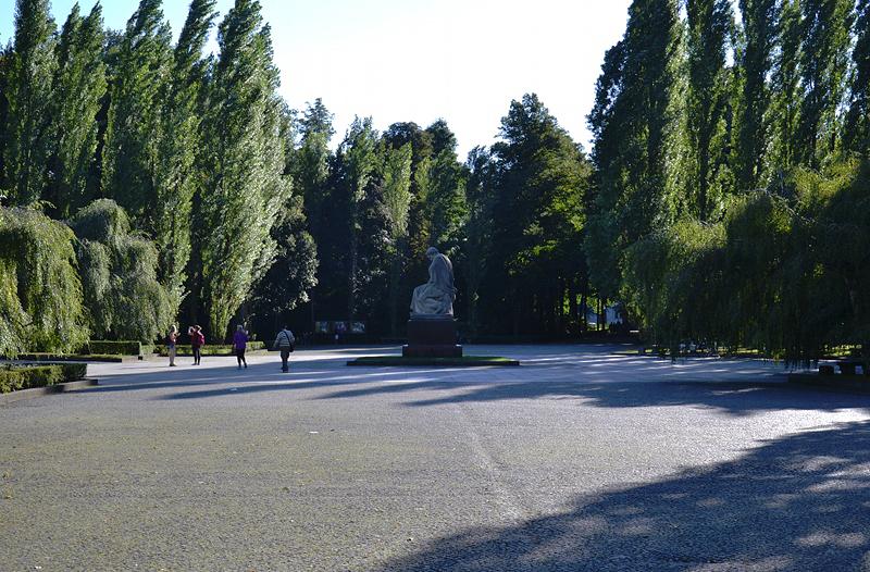 Mutter Heimat, Sowjetisches Ehrenmal, Berlin Treptow Park