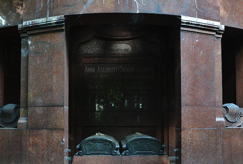 Jüdischer Friedhof Berlin Weißensee, Grabmal Sigmund Aschrott