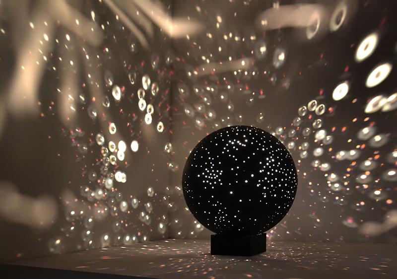 Biennale 2013, Arsenale, Otto Piene, Sfera luminosa appesa