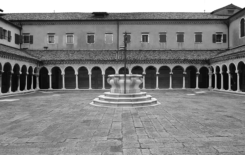Venice, Isola di San Michele, Cloister