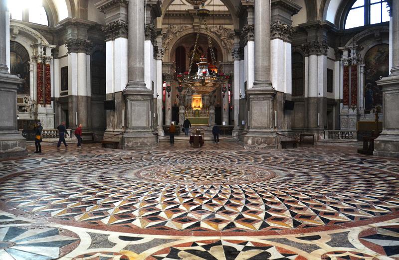 Venedig, Santa Maria della Salute, Fußboden