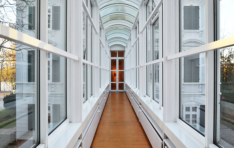 Museum Angewandte Kunst, Frankfurt, Villa Metzler, Verbindungsgang, Richard Maier, Architektur