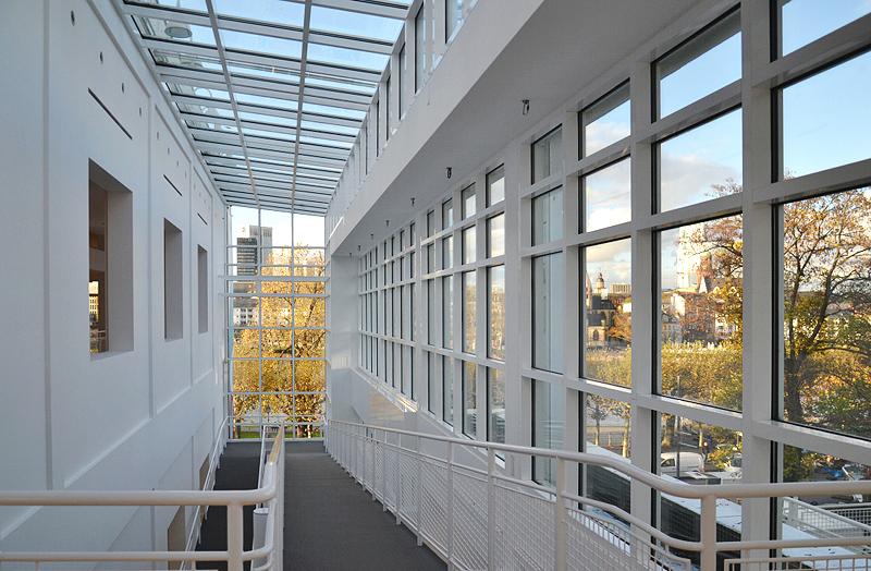 Museum Angewandte Kunst, Frankfurt, Treppenhaus, Richard Maier, Architektur