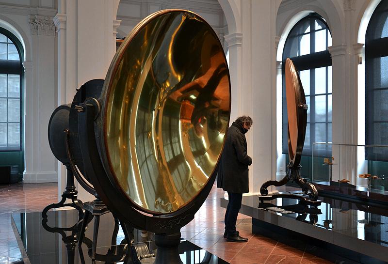 Parabolischer Brennspiegel von Peter Höse, Mathematisch-Physikalischer Salon im Zwinger, Dresden