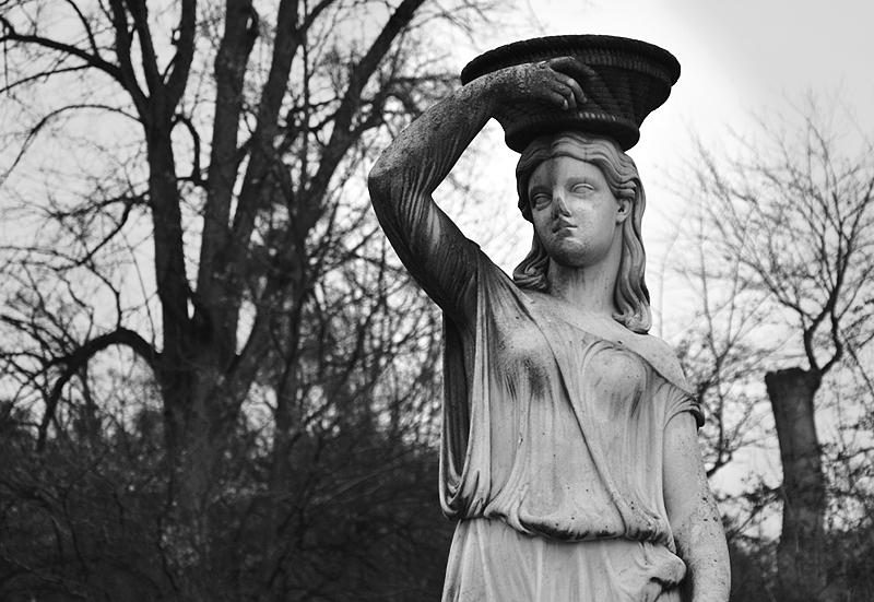Park Pillnitz, Statue der Flora von Wolf von Hoyer