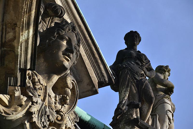 Zwinger Dresden, Skulpturen, Glockenspielpavillon, Diana